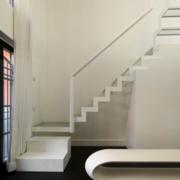 简易白色楼梯玻璃扶手装饰