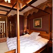 东南亚原木深色榻榻米房装饰