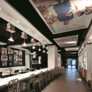 后现代风格餐厅长吧台装饰