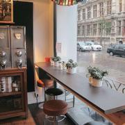 复古风格咖啡馆吧台装饰