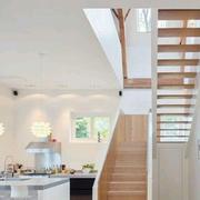 日式清新简约跃层楼梯装饰