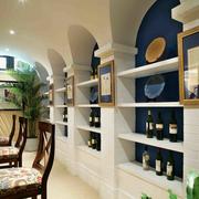 地中海简约风格客厅酒柜装修