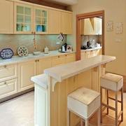 欧式简约风格浅色厨房吧台装饰