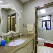 欧式奢华风格卫生间镜饰装饰