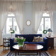 北欧风格公寓玄关蓝紫色沙发装饰