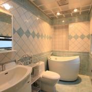 时尚小户型卫生间瓷砖设计
