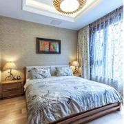 温馨别墅卧室窗帘装修设计