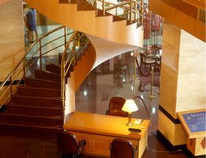 家用式旋转楼梯装修效果图