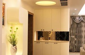 精致单身公寓室内鞋柜设计