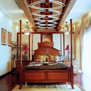 大气小洋房客厅吊顶装修设计
