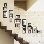 唯美楼梯照片墙装修