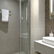 现代单身公寓卫生间装修