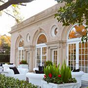 古典别墅入户花园装修设计