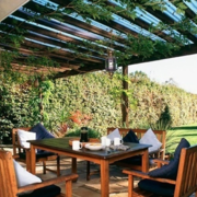 精美阳台折叠式餐桌装修设计