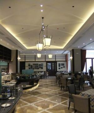 精致酒店走廊吊顶设计