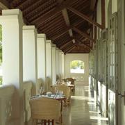 唯美三居东南亚客厅装修设计
