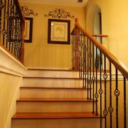 素雅简欧旋转楼梯设计