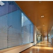 清新现代办公室走廊吊顶设计