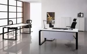 精致现代电脑办公桌装修