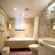靓丽小户型卫生间瓷砖设计
