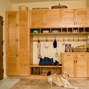 复古单身公寓室内鞋柜设计