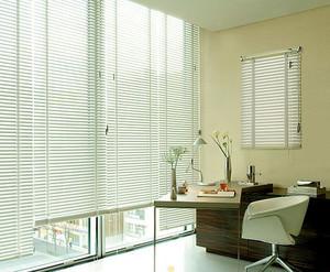 清新办公室百叶窗装修设计
