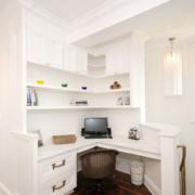 素雅小书房桌柜装修设计