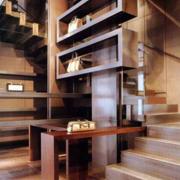古典跃层式住宅楼梯装修设计