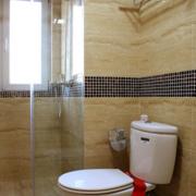 都市小户型卫生间瓷砖设计