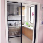 精致厨房推拉门装修设计