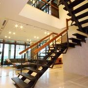 靓丽简欧旋转楼梯设计
