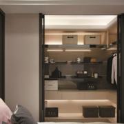 现代三室两厅两卫步入式衣帽间设计