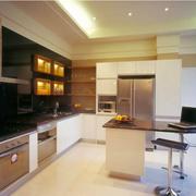 精装大户型厨房橱柜设计