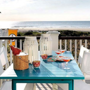 潮流阳台折叠式餐桌装修设计