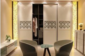 清新自然小户型整体衣柜效果图