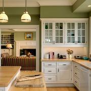 清新大户型厨房橱柜设计