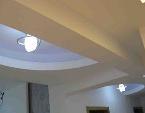 2015现代简约客厅走廊吊顶装修效果图欣赏