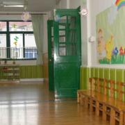 大气幼儿园墙饰装修设计