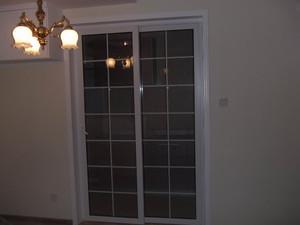 简约厨房推拉门装修设计