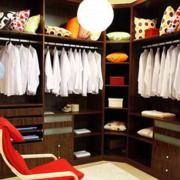 华美三室两厅两卫步入式衣帽间设计