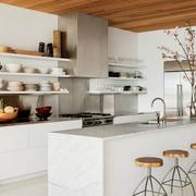 简约大户型厨房橱柜设计