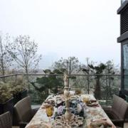 高档阳台折叠式餐桌装修