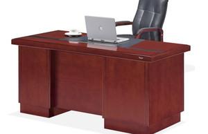 简约董事长办公桌装修设计