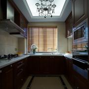 素雅大户型厨房橱柜设计