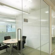 大气办公室吊顶造型设计