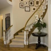 精致楼梯照片墙装修