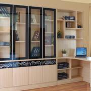 精致小书房桌柜装修设计