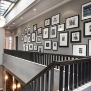 精装楼梯照片墙装修
