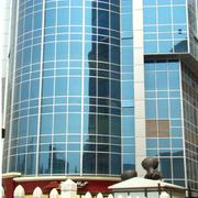 大气公司明框玻璃幕墙装修