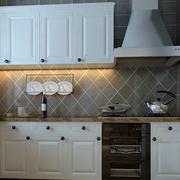 欧式经典厨房橱柜装修设计
